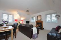 Flat to rent in New Road, Esher, KT10