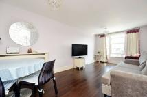 2 bed Flat to rent in Market Square, Kingston...
