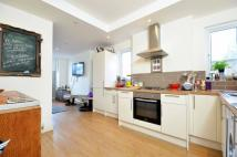2 bed Flat in Cobham Road, Kingston...