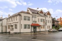 Flat to rent in High Street, Hampton...