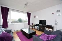 Flat to rent in Chandler Court, Tolworth...