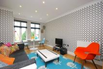 2 bed Flat in Albany Park Road...