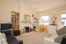 Flat to rent in Bridge Road...