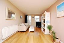 2 bed Flat to rent in Walton Road...