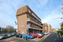 2 bed Flat in The Anglers, Kingston...