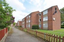 1 bedroom Flat in Deacons Walk, Hampton...