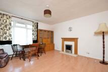 2 bedroom Flat to rent in Kingsnympton Park...