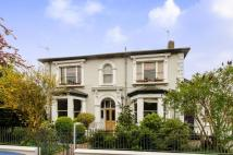 3 bedroom Flat in Palace Road...