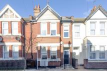 Flat to rent in Herga Road, Wealdstone...