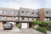 4 bedroom property to rent in Harrow Fields Gardens...