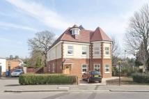 3 bed Flat in Avenue Road, Pinner, HA5