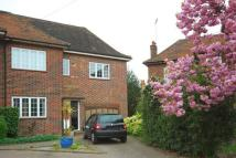 Flat to rent in Wentworth Way, Pinner...