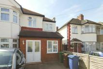 Studio apartment in Wimborne Drive, Pinner...