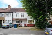 2 bed Flat to rent in College Road...