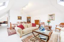 3 bed Flat in Winslow Close, Eastcote...