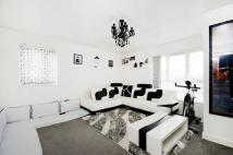 Flat for sale in Deacons Close, Pinner...
