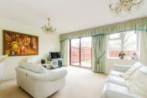 3 bedroom semi detached property in Thrush Green...