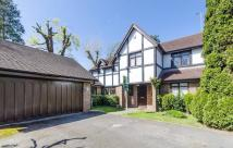 Detached home in Nightingale Close...