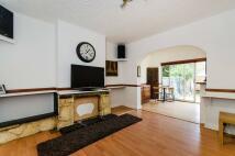 Maisonette to rent in Victor Road, Harrow, HA2