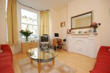Flat in Endwell Road, Brockley...