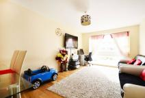 Flat for sale in Boveney Road...