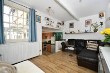 Maisonette in Cheltenham Road, Nunhead...