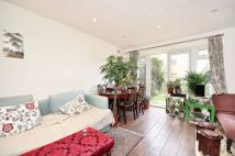 2 bed property to rent in Chelsfield Gardens...