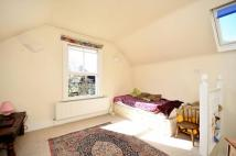 Studio apartment to rent in Colyton Road...