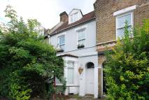 2 bedroom Flat to rent in Grove Vale, East Dulwich...