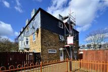 4 bed home for sale in Warren Close...