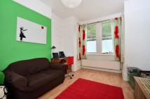 2 bed Flat to rent in Dunstans Road...