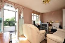 3 bed Flat in Leconfield House...