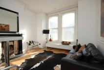 Flat to rent in Barry Road, East Dulwich...