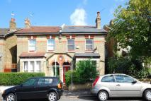2 bedroom Flat in Carden Road, Peckham Rye...