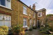 Cottage to rent in Camberwell Grove...