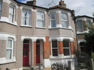 1 bed Ground Flat in Beech Road, London, N11