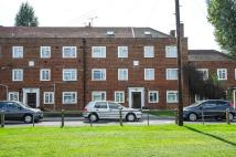3 bed Flat for sale in Warwick Road, Hounslow...