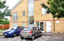 Flat to rent in St. Giles Close...