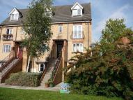 Maisonette in Ridings Avenue...
