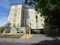 Flat to rent in Queens Square Station...
