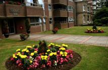 Eaton Gardens Apartment to rent