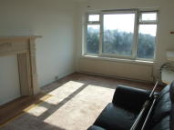 Flat to rent in East Drive, BN2