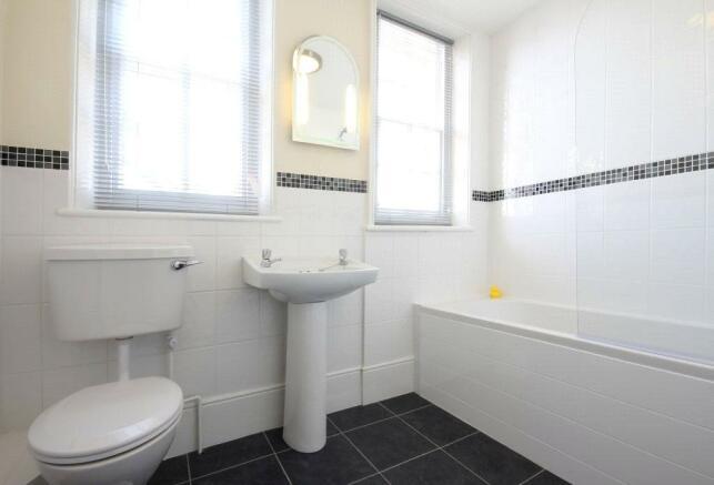Old Ct Hs Bathroom