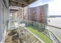 2 bed new Flat in New Providence Wharf...