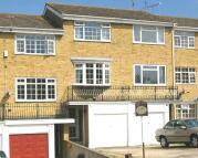 Town House to rent in Wheatcroft Grove, Rainham