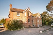 1 bed Flat in Paddockhall Road...