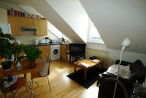 1 bedroom Flat in Elmcourt Road, London...