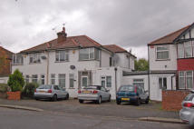 5 bedroom house in Rossall Crescent, London...