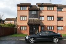 1 bed Apartment in Chasewood Avenue...
