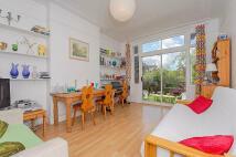 5 bed Terraced property in Colney Hatch Lane, N10